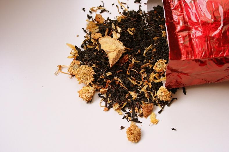 Le thé noir Tarte au citron meringuée de féeduthé.com, photographié par Laetitia pour son Blogathé